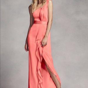 5bdf66959e0 Vera Wang One Shoulder Dress on Poshmark